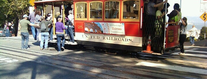 Cable Car Stop - Hyde & Lombard is one of SF & SJ.