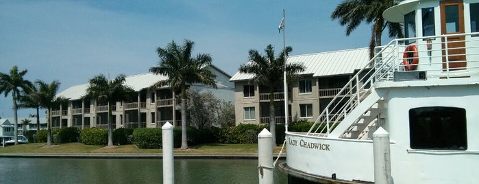Captiva Cruises is one of Lugares favoritos de John.