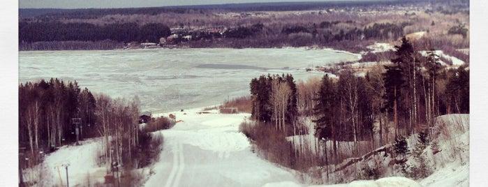 Красное озеро is one of зимняя каталка.