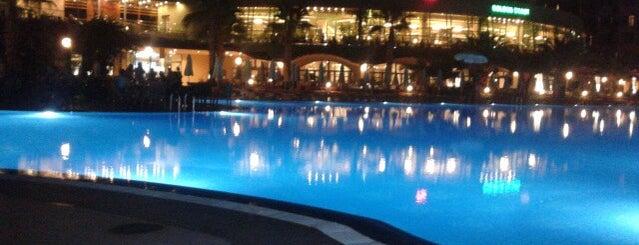 Golden Coast Hotel Side is one of Cem: сохраненные места.