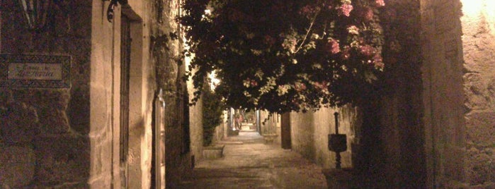 Callejon del Romance is one of Morelia.