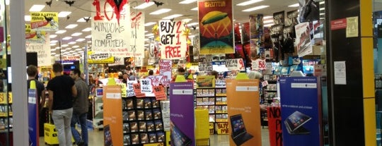 JB Hi-Fi is one of Markさんのお気に入りスポット.