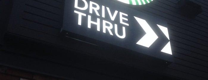 Starbucks is one of Lieux qui ont plu à Josh.
