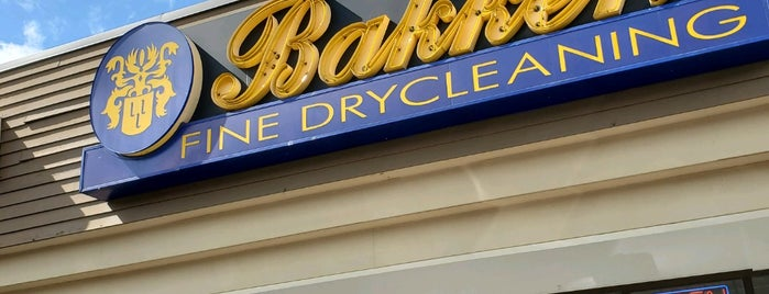 Bakker's Fine Drycleaning is one of Locais curtidos por Josh.
