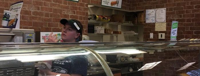 Subway is one of Posti che sono piaciuti a Josh.