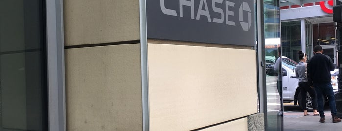 Chase Bank is one of Locais curtidos por Josh.
