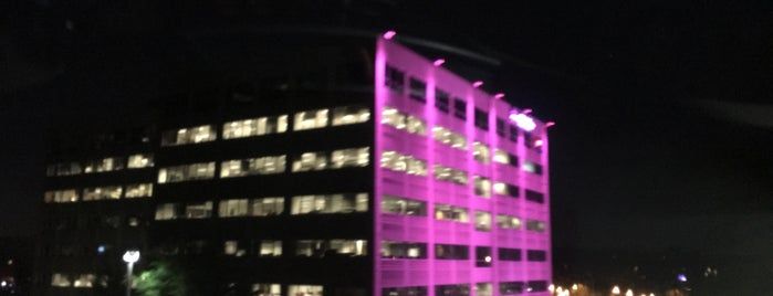 T-Mobile US HQ is one of Locais curtidos por Josh.