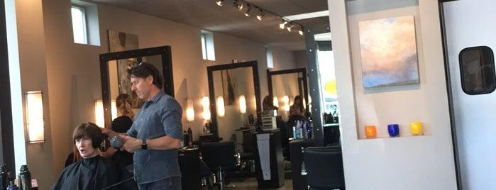 Salon Matarazzo is one of Locais curtidos por Josh.