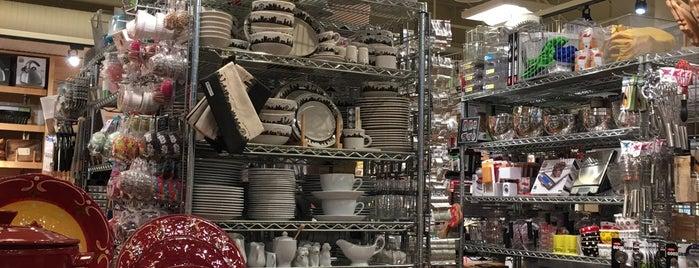 Metropolitan Market is one of Lugares favoritos de Josh.