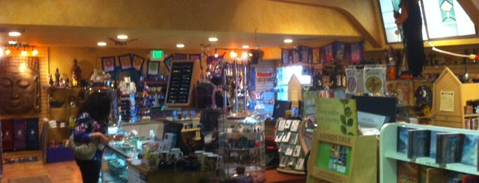Isis Books, Gifts & Healing Oasis is one of Lugares favoritos de Jeanette.