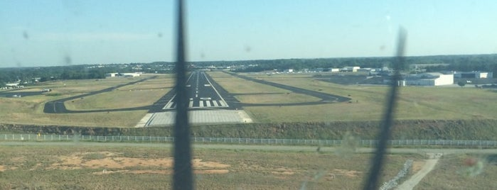 Greenville Downtown Airport (GMU) is one of Hopster's Airports 1.