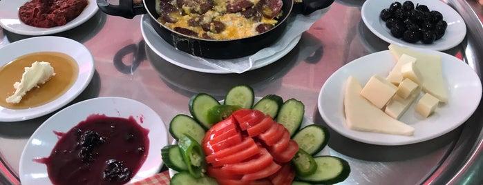 Doğal Lezzet Kahvaltı Evi is one of Locais curtidos por Aylin.