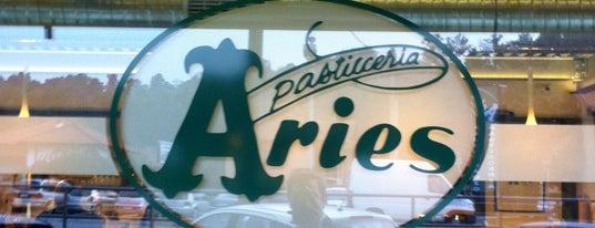 Pasticceria Aries is one of Bruna'nın Kaydettiği Mekanlar.