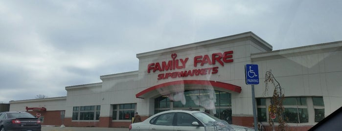 Family Fare is one of สถานที่ที่ Nathan ถูกใจ.