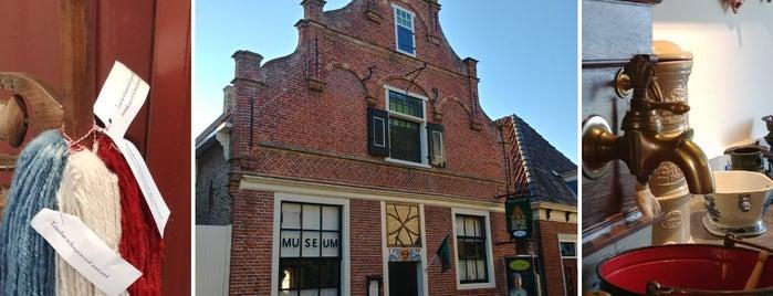 Oudheidskamer Den Burg is one of KLM-huisjes.