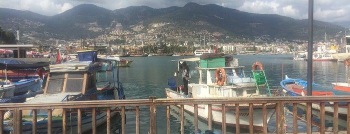 Alanya İskele is one of Posti che sono piaciuti a Haydar.