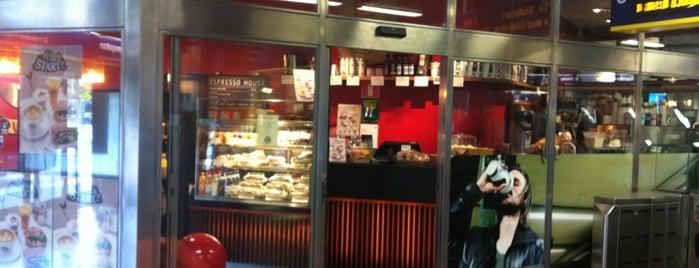 Espresso House is one of Lugares favoritos de Laura.