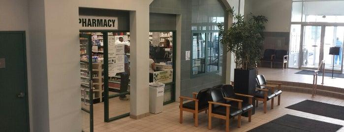 Montefiore Medical Park is one of สถานที่ที่ Jason ถูกใจ.