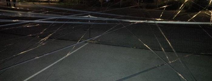 Stanley Park Tennis Courts is one of Tempat yang Disukai Bruno.