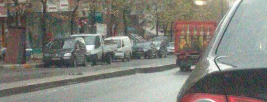 Yıldırım Beyazıd Caddesi is one of 👑 PeRvİnn👑'ın Beğendiği Mekanlar.
