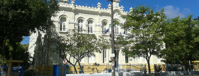 Câmara Municipal do Recife is one of Órgãos Públicos.