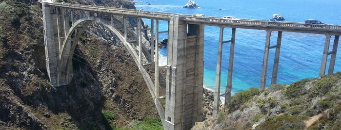 Bixby Creek Bridge is one of Califórnia.