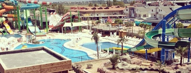 Crystal Waterworld Resort & Spa is one of Locais curtidos por Serhad.