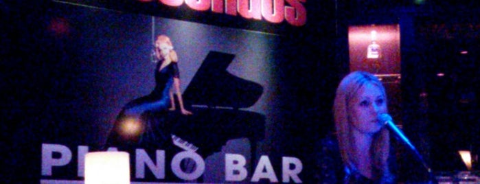 Crescendos Piano Bar is one of Tempat yang Disimpan Richard.