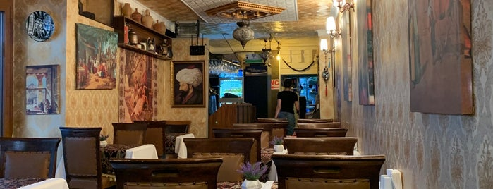Old Ottoman Cafe & Restaurant is one of İstanbul da git:).