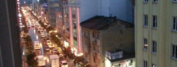 Milli Kuvvetler Caddesi is one of Murat'ın Beğendiği Mekanlar.