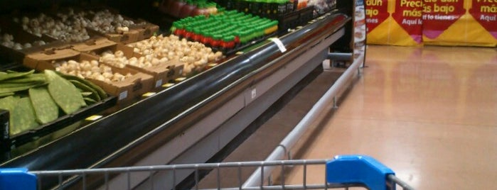 Walmart is one of Nayeli'nin Beğendiği Mekanlar.
