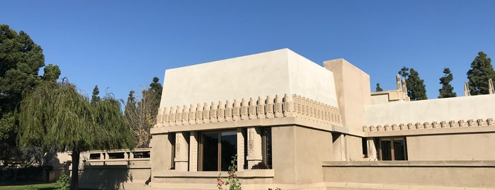 Hollyhock House is one of Architecture.