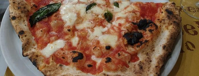 L'antica Pizzeria Da Michele is one of Floransa Yemek.
