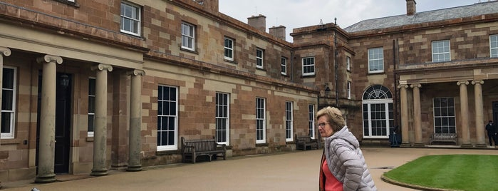 Hillsborough Castle is one of Tempat yang Disukai Carl.
