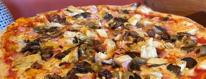 Dante's Coal Fired Pizza is one of Dana 님이 좋아한 장소.