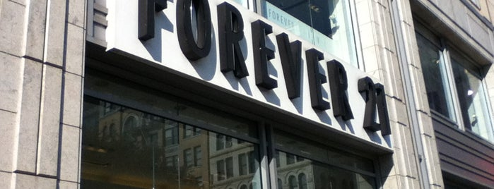 Forever 21 is one of Lugares favoritos de Viviana.
