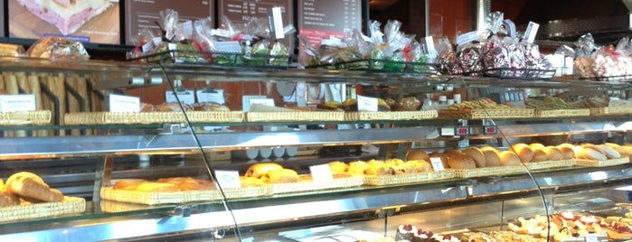 Champagne French Bakery Café Del Mar Highlands is one of Oh the places I will go to eat.