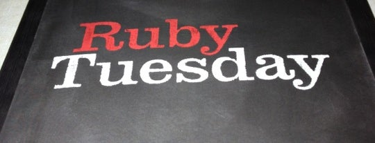 Ruby Tuesday is one of Lieux sauvegardés par Nicholas.