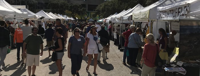 St Pete's Farmer's Market is one of Locais curtidos por Rick.