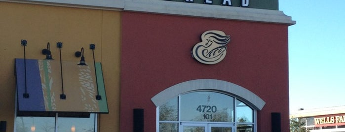 Panera Bread is one of Lugares favoritos de Sara Grace.