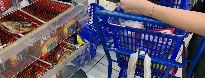 SM Supermarket is one of Posti che sono piaciuti a Rick.
