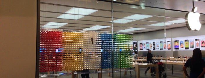 Apple Santa Rosa Plaza is one of Apple Stores US West.