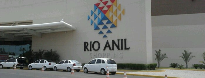 Rio Anil Shopping is one of Orte, die Allysson gefallen.