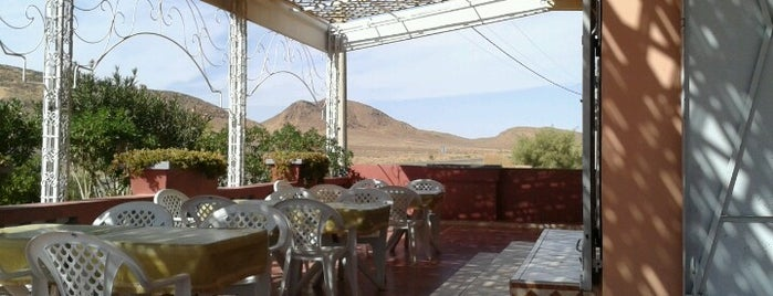 Touroug Café is one of Posti che sono piaciuti a Jorge.