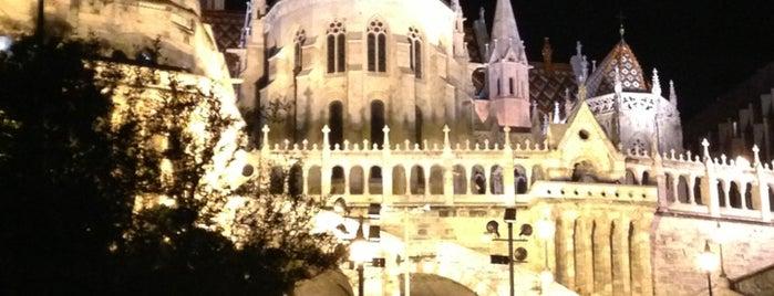 Bastión de los Pescadores is one of Budapest City Guide.