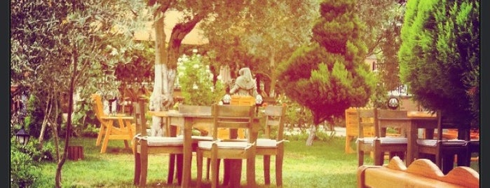 Seyir Cafe is one of Posti che sono piaciuti a Esen.