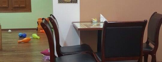 Café Pushkin is one of Locais curtidos por Marga.