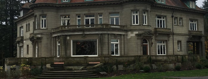 Pittock Mansion is one of Royさんのお気に入りスポット.
