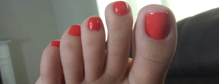 Red Cat Nail & Spa is one of Locais curtidos por Ana.