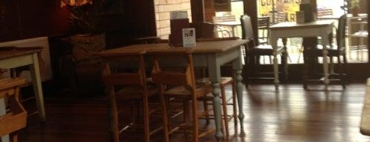 Loco Lounge is one of Orte, die Sam gefallen.